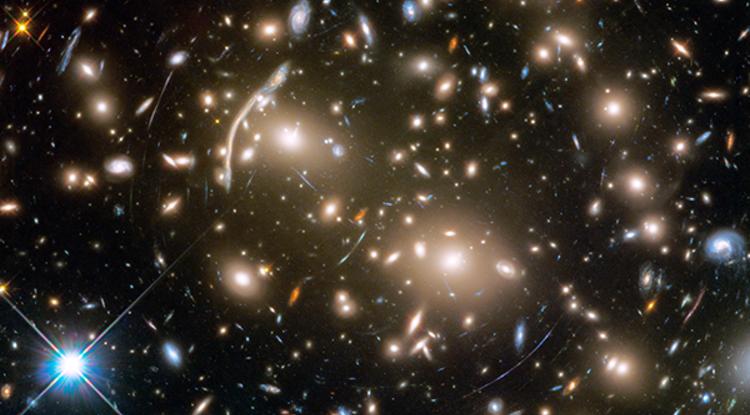 Hubbel Space Telescope image of Abell 370 galaxy cluster